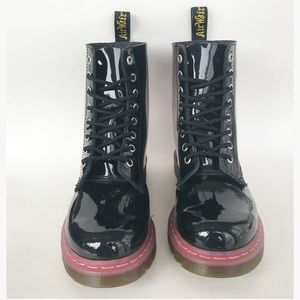 DR. MARTENS 8 eye PASCAL black and pink boots